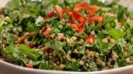 Karabuğday ve Rokalı Yeşil Mercimek Salatası